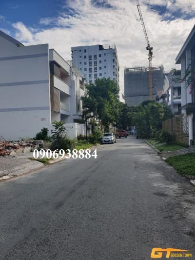 Xuất cảnh nước ngoài cần bán gấp lô đất Nam Thông 2, Phú Mỹ Hưng DT 8x18m ( đã xây móng ) giá 17 tỷ.
